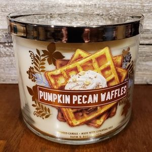 Bath & Body Works Candle • Pumpkin Pecan Waffles